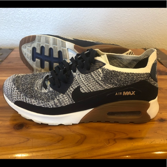 Women's Navy Blue & Gray Nike Air Max 90 Size 7